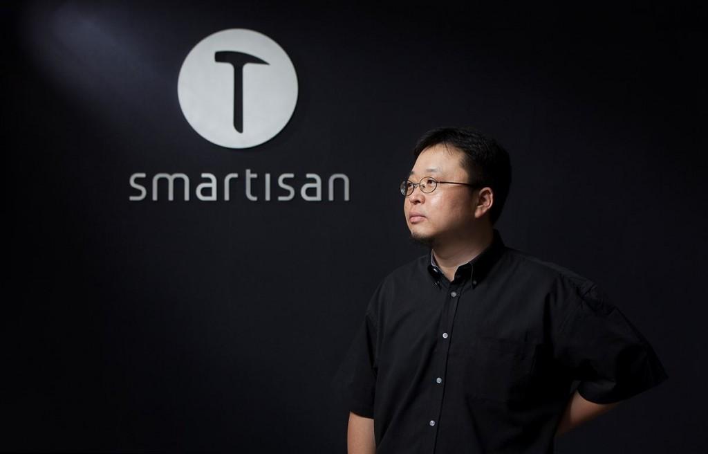 罗永浩:锤子手机一共卖了12万部,我已经交出微博密码