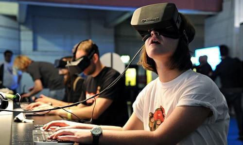 VR设备与游戏相结合 未来路还很长