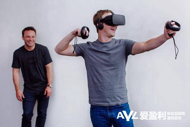 Facebook虚拟现实头盔起售价超过350美元