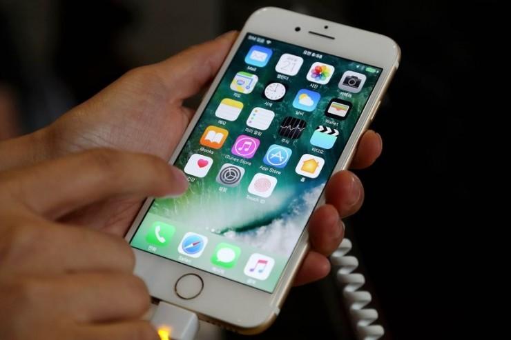 iPhone 8要用OLED屏?但供应商没准备好 !