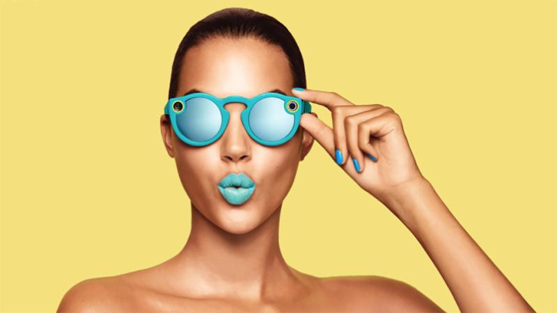 扎克伯格宣布将采取新措施打击假新闻;诺华放弃智能隐形眼镜计划;最新一台Snapbot出现在美国大峡谷附近