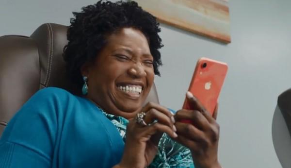 海外一周丨苹果新广告,全程哈哈哈哈......